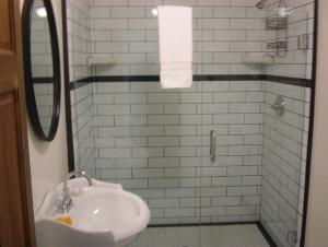 A bathroom at Jamestown Hotel