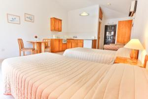 A room at Tavros Hotel Apartments