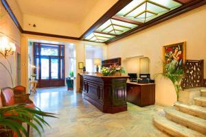 The lobby or reception area at Grand Hotel Regina Salsomaggiore