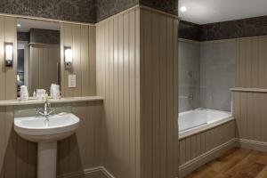 A bathroom at Langdale Hotel & Spa