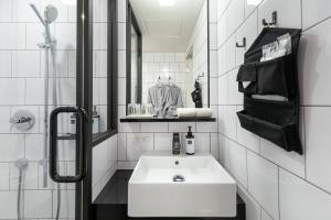 A bathroom at TRUNK (HOTEL)