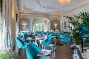 A restaurant or other place to eat at Waldorf Astoria Edinburgh - The Caledonian