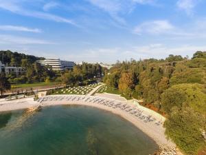 Een luchtfoto van Hotel Eden