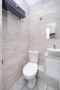 A bathroom at Centralnaya Hotel