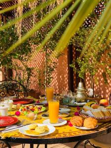 Breakfast options available to guests at Hotel Sherazade