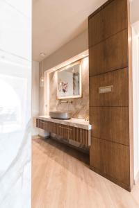 Ένα μπάνιο στο Secret Paradise Hotel & Spa