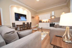 A seating area at Rosedene Highland House Apartments, Central Inverness