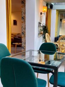 Coin salon dans l'établissement Hotel Europole