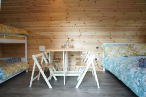 A bunk bed or bunk beds in a room at The Piggery Pod