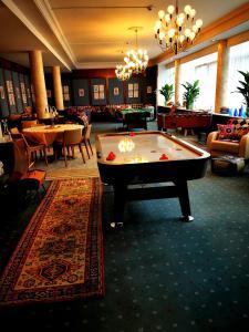 A pool table at Wohnen bei Tante ALMA vormals Augusta