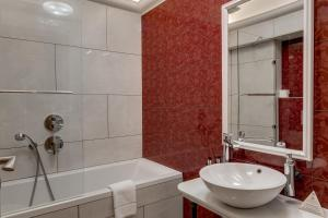 Koupelna v ubytování Louren Apartments Charles Bridge