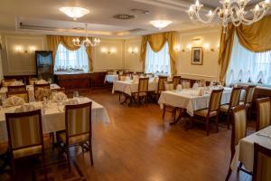 Restavracija oz. druge možnosti za prehrano v nastanitvi Dvorec Jeruzalem