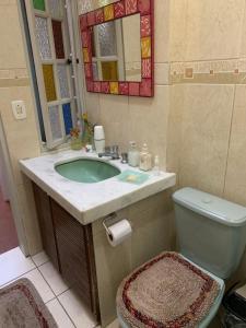 A bathroom at Tao Station 752