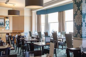 A restaurant or other place to eat at The Beresford Hotel