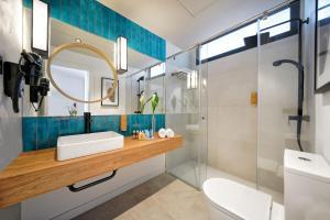 Een badkamer bij Labranda Suites Costa Adeje