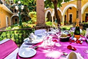 A restaurant or other place to eat at Hotel Caribe Merida Yucatan
