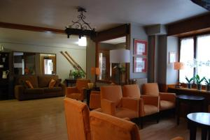 The lounge or bar area at Pension Casa Vicenta