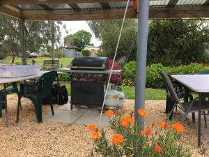 BBQ facilities available to guests at the motel