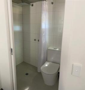 A bathroom at Railway Motel Myrtleford