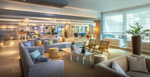 Lounge oder Bar in der Unterkunft Crystal Sunny Hotel by Valamar