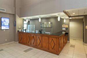 The lobby or reception area at Best Western Coyote Point Inn