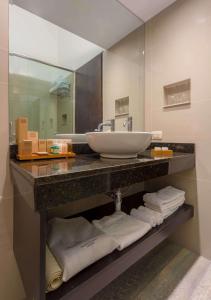 A bathroom at Sonesta Posadas del Inca Puno