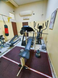 The fitness center and/or fitness facilities at Hotel Relax