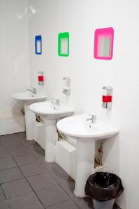 A bathroom at Sweet Hostel