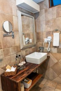 A bathroom at Casa De Sierra Azul