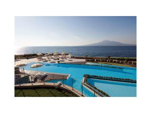 The swimming pool at or close to Towers Hotel Stabiae Sorrento Coast