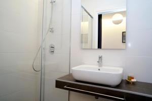 A bathroom at Loaldia