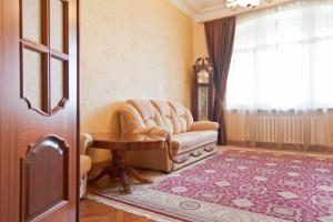 Гостиная зона в KvartiraSvobodna - Apartment at Kudrinskaya Ploschad