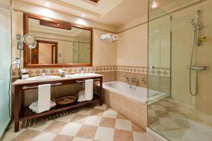 Łazienka w obiekcie Elba Palace Golf & Vital Hotel - Adults Only