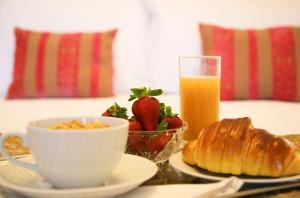 As opções de pequeno-almoço disponíveis para os hóspedes de Casa Manuel Espregueira e Oliveira