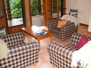 A seating area at Atherton Blue Gum B&B