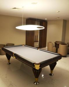 A pool table at Hotel do Parque