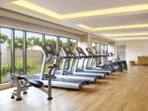 The fitness centre and/or fitness facilities at Trident Bandra Kurla
