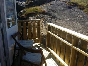 En balkong eller terrasse på B&B Nyksund