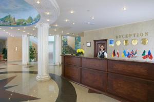 Лобби или стойка регистрации в Lecco Отель