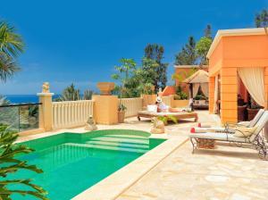 Piscina di Royal Garden Villas & Spa, Luxury Hotel o nelle vicinanze