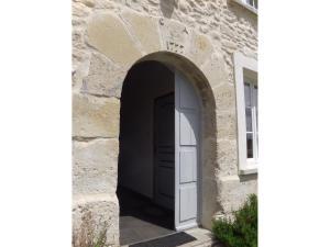 The facade or entrance of Domaine Du Moulin de Champie - Versailles - Gites & Suites
