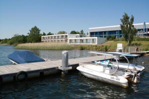 Der Swimmingpool an oder in der Nähe von Strandhotel Senftenberger See