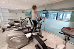 The fitness center and/or fitness facilities at Grand Hotel Opduin