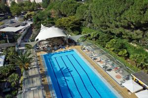 A view of the pool at Hotel Mirasole International or nearby