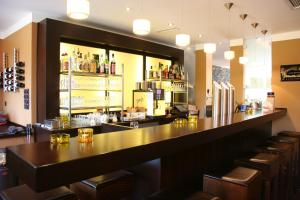 The lounge or bar area at NordWest-Hotel Bad Zwischenahn