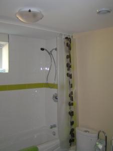 A bathroom at Nowak's Own B&B