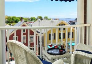 A balcony or terrace at Lord Camden Inn