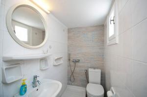 Ein Badezimmer in der Unterkunft Asimina