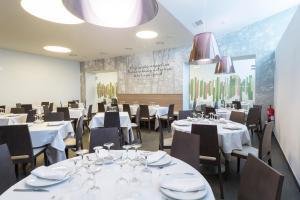 Restaurant ou autre lieu de restauration dans l'établissement Hotel Rural Auñamendi