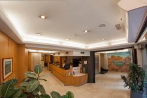 El vestíbulo o zona de recepción de Hotel Delta